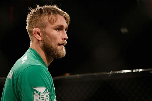 A. Gustafsson (foto) enfrentará Cormier pelo cinturão. Foto: Josh Hedges/UFC