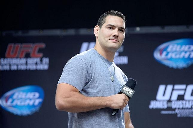 C. Weidman (foto) voltou a mostrar desejo em enfrentar J. Jones. Foto: Josh Hedges/UFC