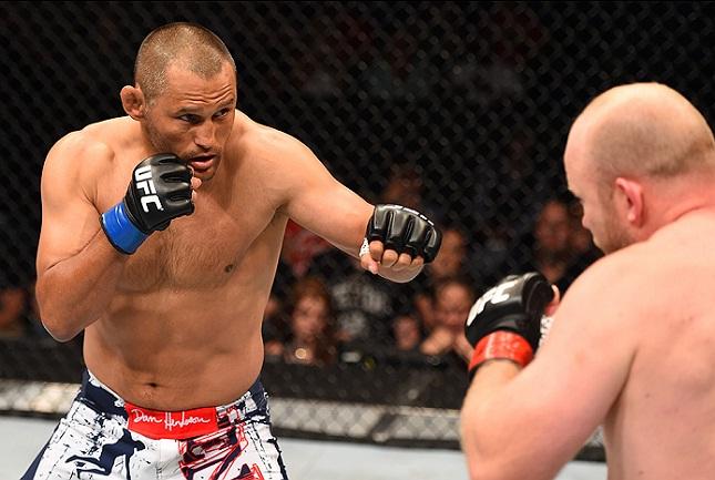 Hendo bateu Boetsch na luta principal do UFC em New Orleans. Foto: Josh Hedges/UFC