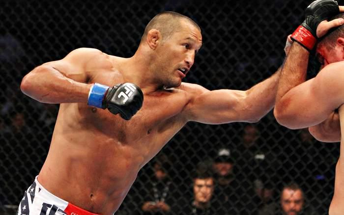 Hendo vem de vitória sobre T. Boetsch na luta principal do UFC FN 68. Foto: Divulgação