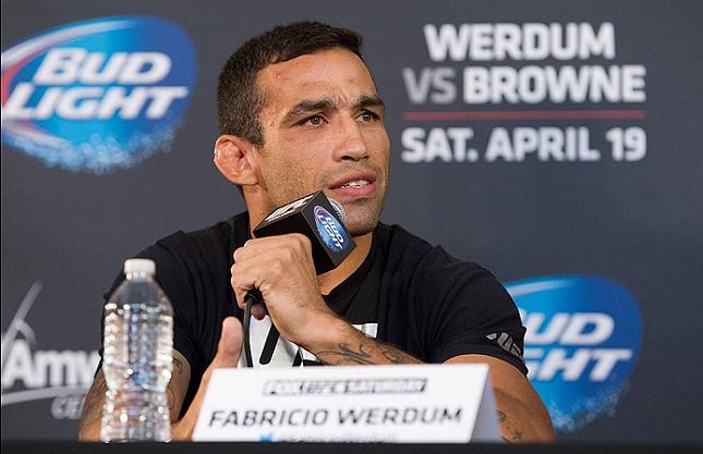 F. Werdum (foto) encara Velasquez pela unificação dos cinturões dos pesados. Foto: Josh Hedges/UFC