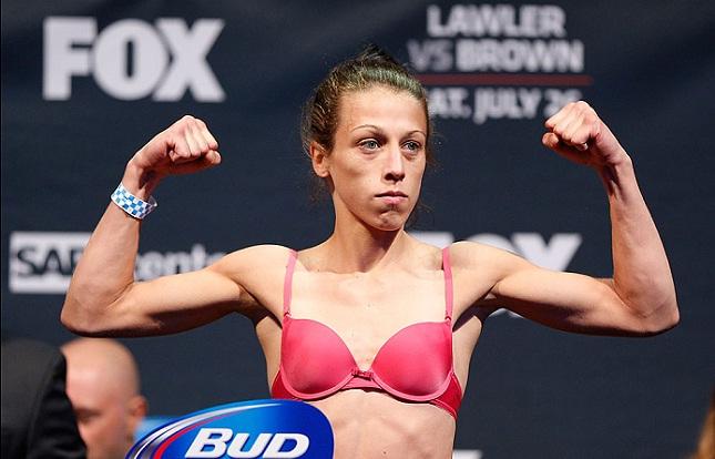 Joanna (foto) fará a luta co-principal do UFC 193. Foto: Josh Hedges/UFC