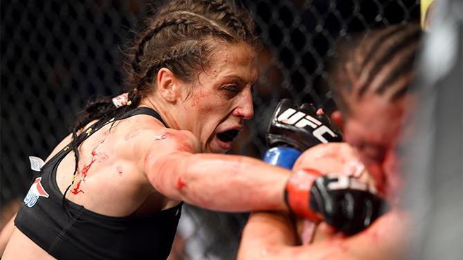 Jedrzejczyk (foto) massacrou Penne em Berlim. Foto: Divulgação/UFC