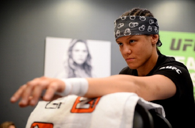 S. Baszler (foto) foi do time Rousey no TUF 18. Foto: Josh Hedges/UFC