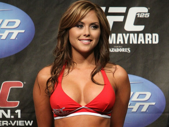 Brittney Palmer (foto) é ring girl do UFC desde o fim do evento WEC. Foto: Divulgação/UFC