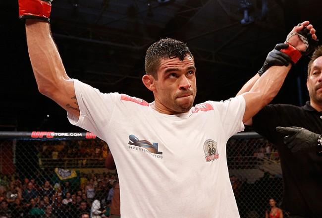 Barão (foto) quer recuperar título do UFC. Foto: Josh Hedges/Zuffa LLC