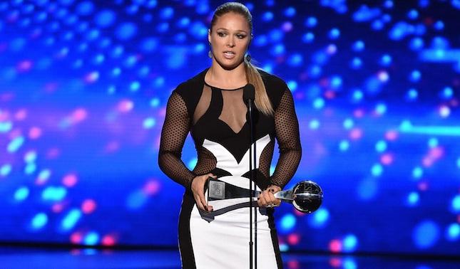 """Ronda faturou dois prêmios e garantiu a dobradinha no """"ESPYs"""". Foto: ABC/ESPN (Divulgação)"""