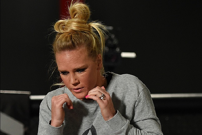 Holm (foto) tem nove lutas e nove vitórias no MMA. Foto: Josh Hedges/UFC