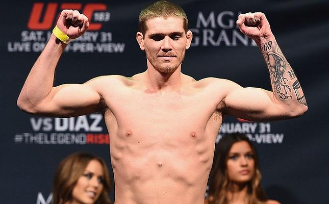 J. Mein (foto) estreou no UFC em 2013 e fez cinco lutas. Foto: Josh Hedges/UFC