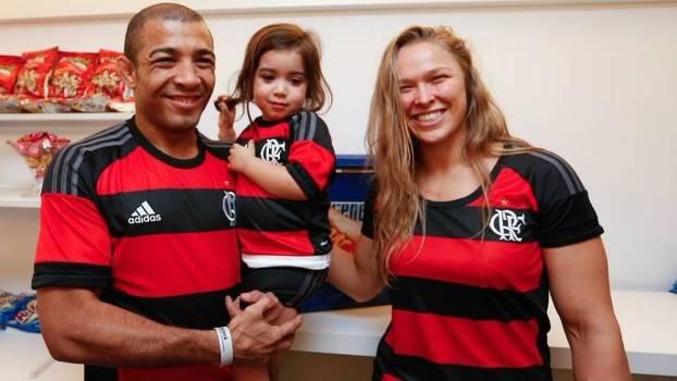 J. Aldo e R. Rousey assistiram Flamengo 2 x 2 Santos. Foto: Maracanã