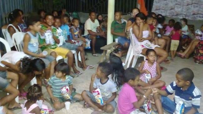Mãe de Massaranduba promoveu festa para as crianças no Piauí. Foto: Divulgação/UFC