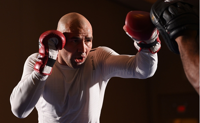 Glover (foto)  foi uma das estrelas dos treinos abertos do UFC FN 73. Foto: Josh Hedges/UFC