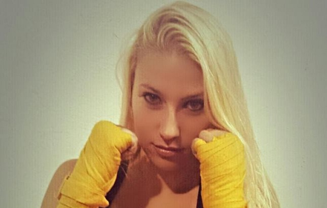 Brye Anne Russillo (foto) tem um cartel de uma vitória e uma derrota no MMA amador. Foto: Reprodução/Facebook