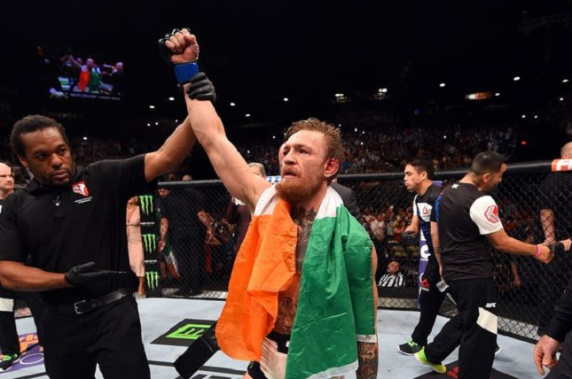 McGregor (foto) ainda é o campeão dos penas. Foto: Josh Hedges/UFC