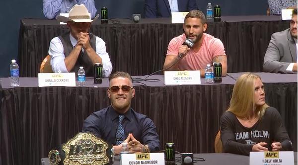 Cerrone e Mendes também bateram boca com McGregor. Foto: Reprodução