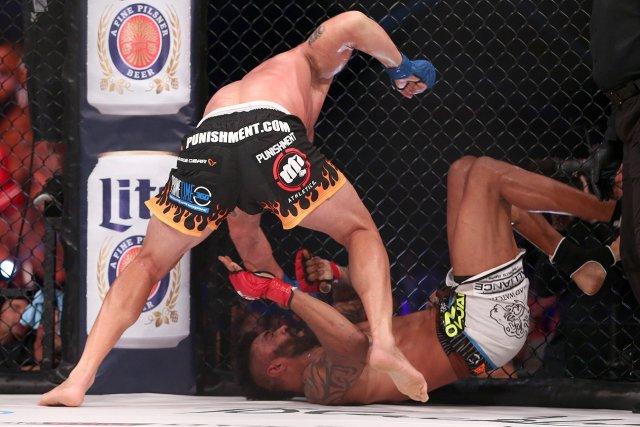 T. Ortiz começou melhor a luta contra L. McGeary. Foto: Sherdog.com