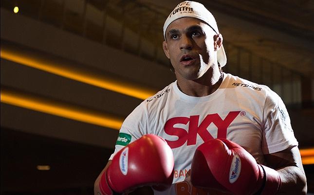 "Vitor (foto) se juntou ao time ""anti-McGregor"". Foto: Josh Hedges/UFC"