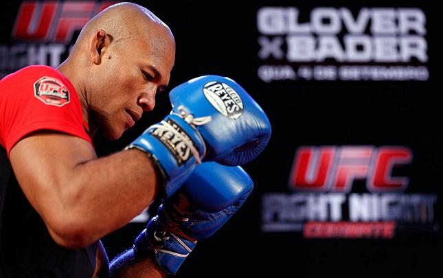 Jacaré (foto) está invicto no octógono. Foto: Josh Hedges/UFC