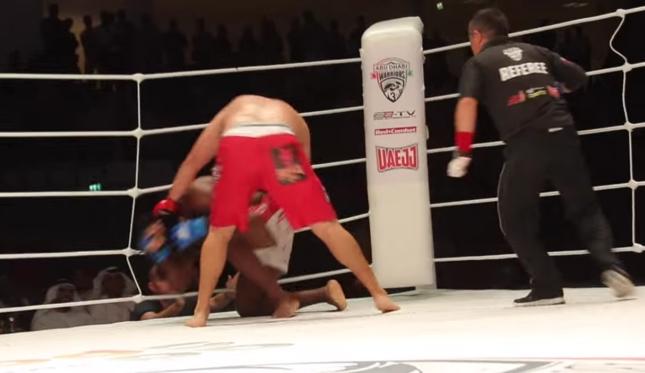 Buentello teve que nocautear Sukoudjou duas vezes para ficar com a vitória. Foto: Reprodução