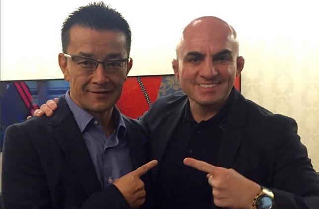 Wallid (dir.) e Sakakibara (esq.): brasileiro foi ao Japão no lançamento do Rizin Fighting. Foto: Reprodução