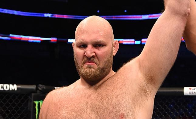 B. Rothwell (foto) fica fora do UFC 203. Foto: Josh Hedges/UFC
