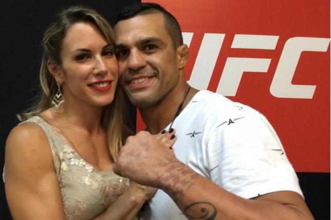 """Joana (esq.) disse que Belfort (dir.) luta por """"hobby"""". Foto: Reprodução"""