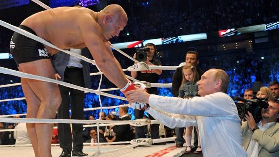 Fedor (esq) e Putin (dir) são amigos de longa data
