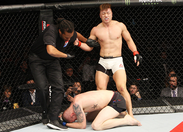 Yang superou Collier por nocaute técnico. Foto: Divulgação