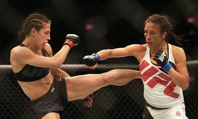 Trocação de Joana (esq.) falou mais alto contra Valerie (dir.). Foto: Pat Scala/UFC
