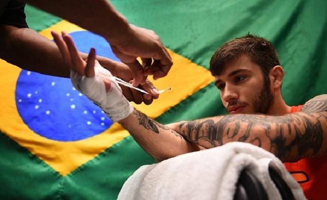 M. Nicolau chegou a sua 11ª vitória no MMA. Foto: Brandon Magnus/UFC