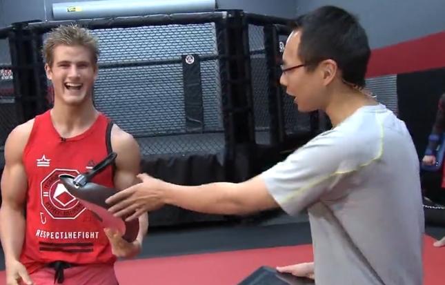 S. Northcutt (esq.) fará sua segunda luta no UFC. Foto: Reprodução