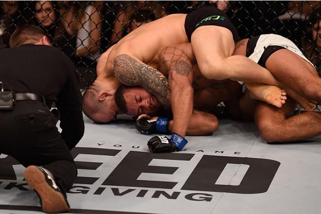 Luta entre Tibau e Trujillo acabou de forma polêmica. Foto: Divulgação/UFC