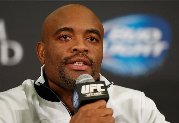 Anderson (foto) volta ao octógono em fevereiro de 2016. Foto: Josh Hedges/UFC