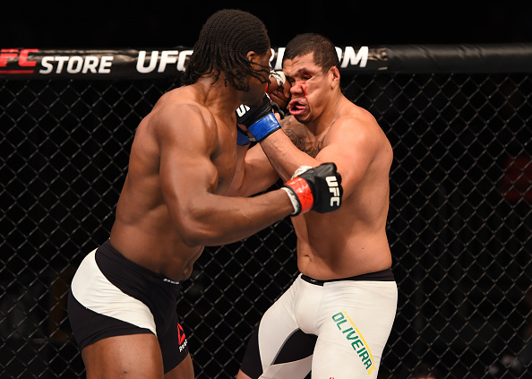 Brasileiro Luiz Henrique perdeu em estreia no UFC. Foto: Josh Hedges/UFC