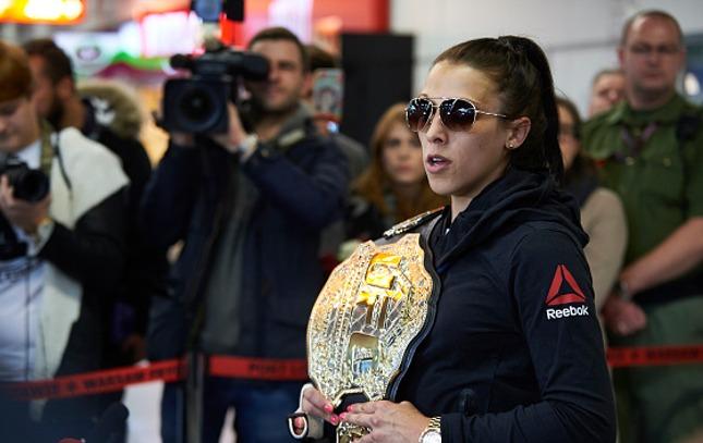 Joanna (foto) já bateu a brasileira em decisão polêmica. Foto: Adam Nurkiewicz/UFC
