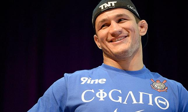JDS (foto) já lutou tanto contra Werdum quanto contra Velasquez. Foto: Josh Hedges/UFC