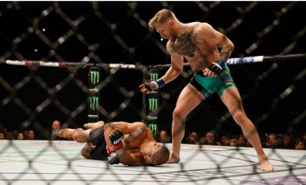 McGregor nocauteou Aldo no UFC 194, em dezembro de 2015. Foto: Josh Hedges/UFC