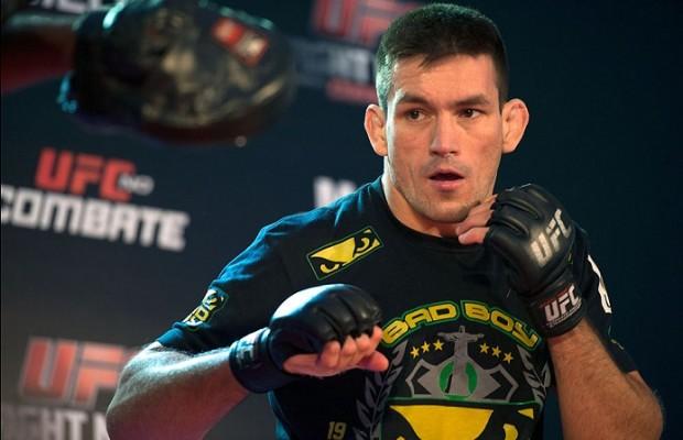 Demian (foto) vem em grande sequência nos meio-médios. Foto: Josh Hedges/UFC