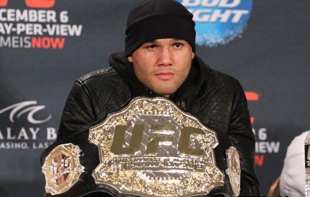 Lawler (foto) elogiou Floyd, mas destacou diferenças entre boxe e MMA. Foto: Divulgação