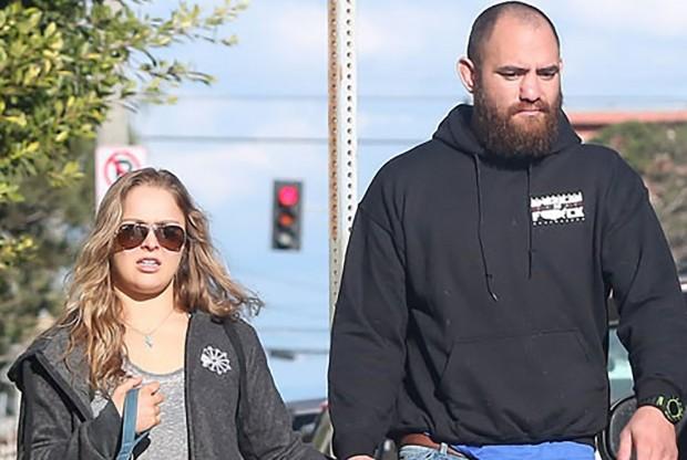 Ronda (esq.) e Browne (dir.) estão namorando desde o ano passado. Foto: Reprodução