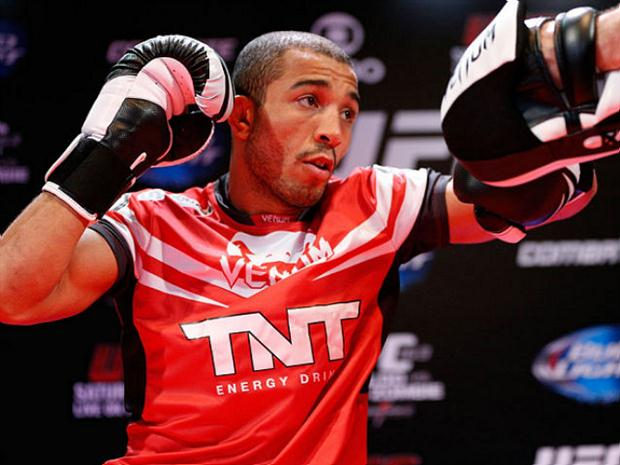 Aldo (foto) voltará disputando o cinturão interino. Foto: Josh Hedges/UFC