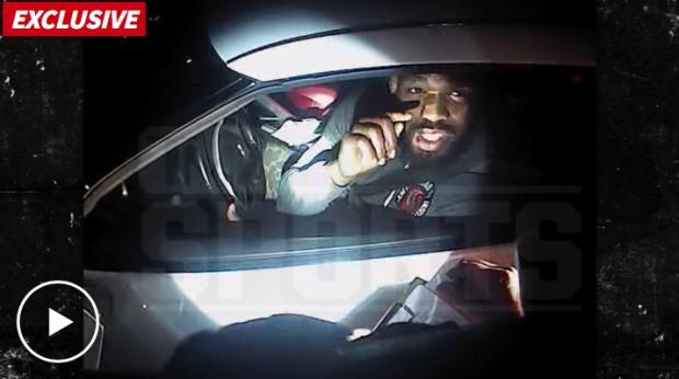 Jones brigou com policial nos EUA em março. Foto: Reprodução