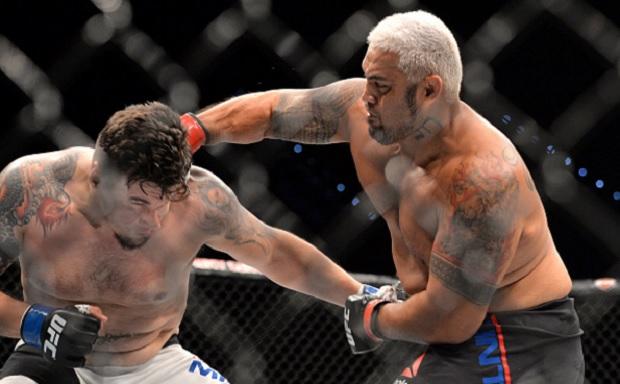 Hunt e o soco que assustou F. Mir. Foto: Josh Hedges/UFC