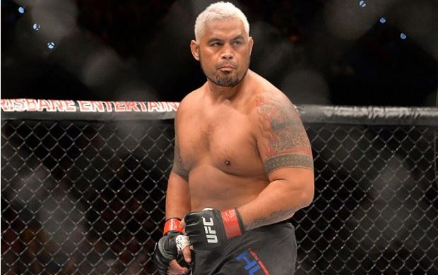 M. Hunt (foto) abriu como favorito contra Lesnar. Foto: Josh Hedges/UFC