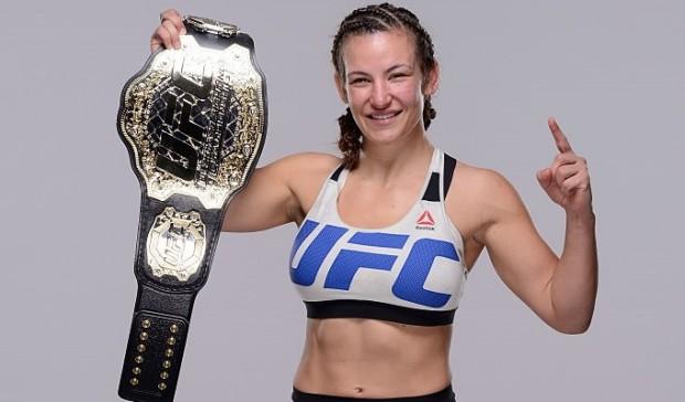 Miesha posa com o cinturão peso galo feminino do UFC. Foto: Jeff Bottari/UFC