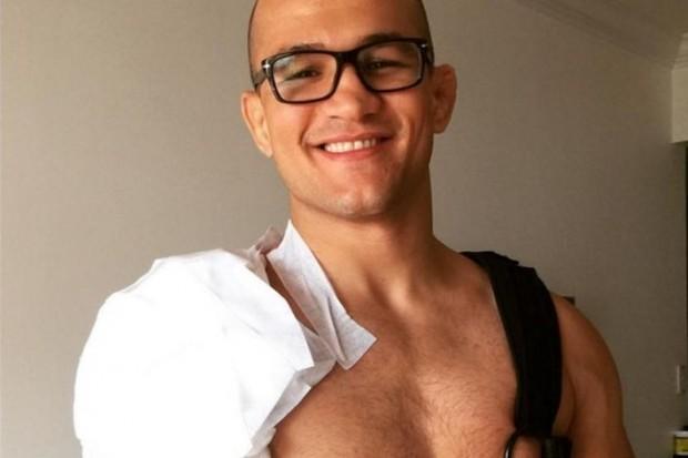 Cigano passou por cirurgia no ombro. Foto: Reprodução