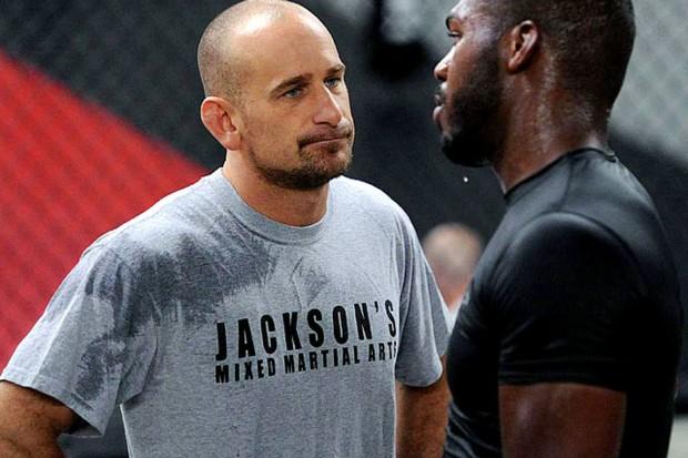 Jackson é o treinador principal de Jones. Foto: Divulgação