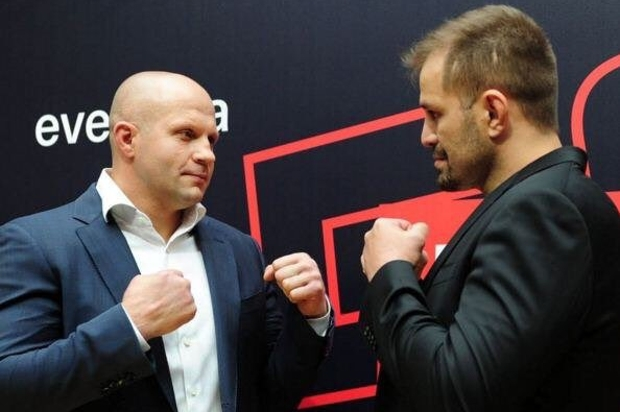 Fedor (esq.) e Maldonado (dir.) duelam na Rússia. Foto: Reprodução