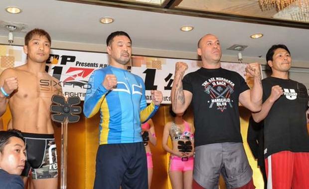 Luta de submission contou com dois lutadores pra cada lado. Foto: Reprodução/Twitter