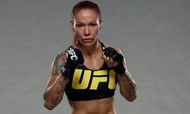 Cris (foto) encara L. Smith no sábado. Foto: Mike Roach/UFC
